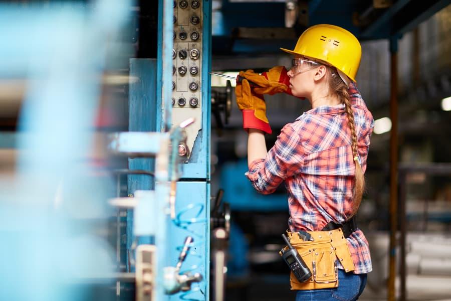 female technician in training